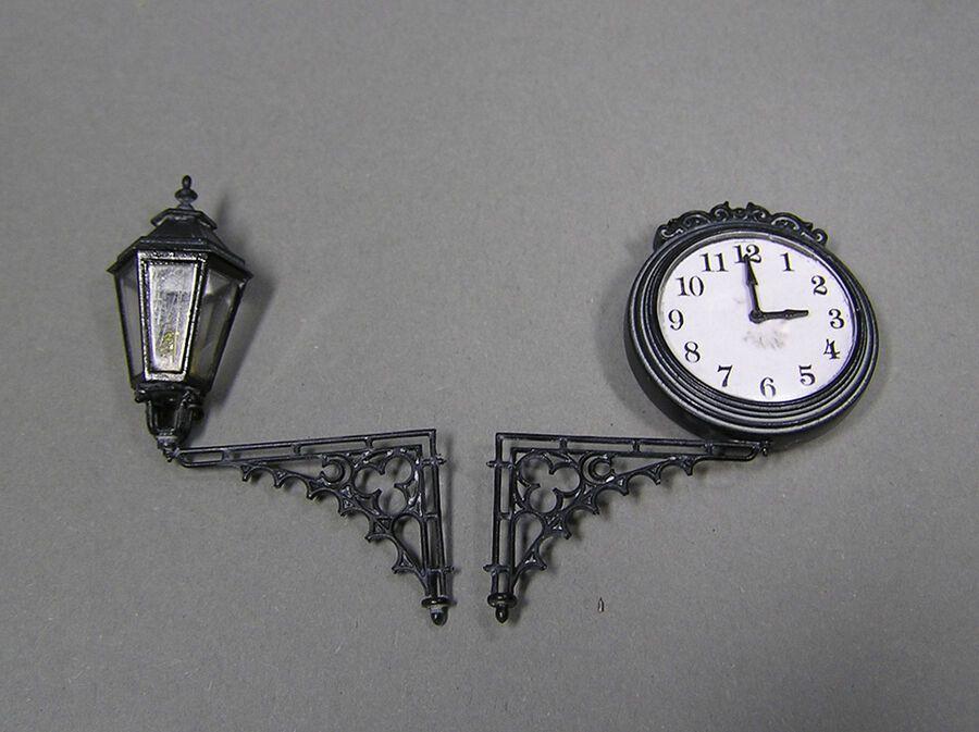 MiniArt Models 1//35 Street Lamps and Clocks