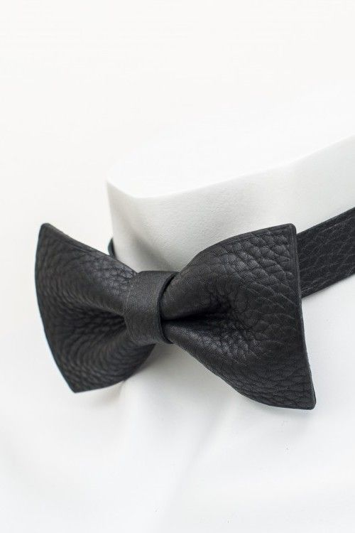 Men's leather bow ties made of leather Hermès