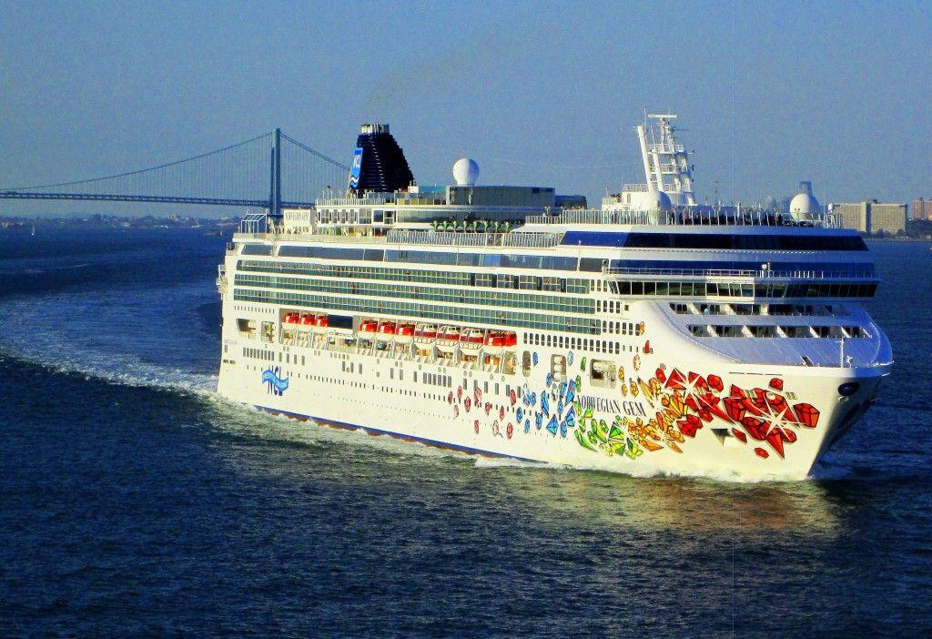 Norwegian Gem Cruise Ship In New York Lower Bay Loves Photo - Norwegian gem cruise ship