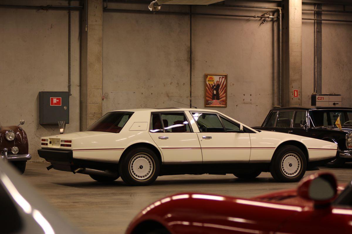 Ugens Fund: Aston Martin Lagonda 1986
