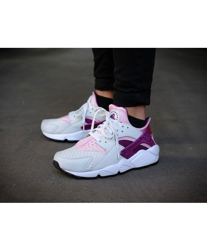new product 5fffd 26b0e Nike Air Huarache Womens Trainers In Light Grey Pink Purple