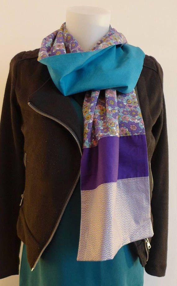 Foulard Etole Echarpe violet bleu canard fleurs violettes et tissu japonais    Création Mode Japon   d8d2649e875