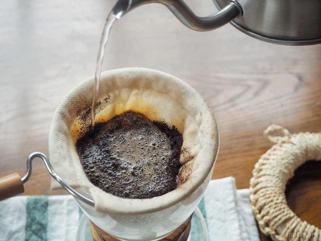 ネルドリップで最高においしいコーヒーを淹れる方法 Macaroni ドリップ コーヒー おいしい