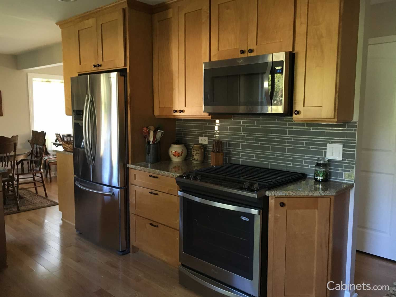 Shaker Ii Maple Toffee Green Backsplash Online Kitchen Cabinets Cabinet