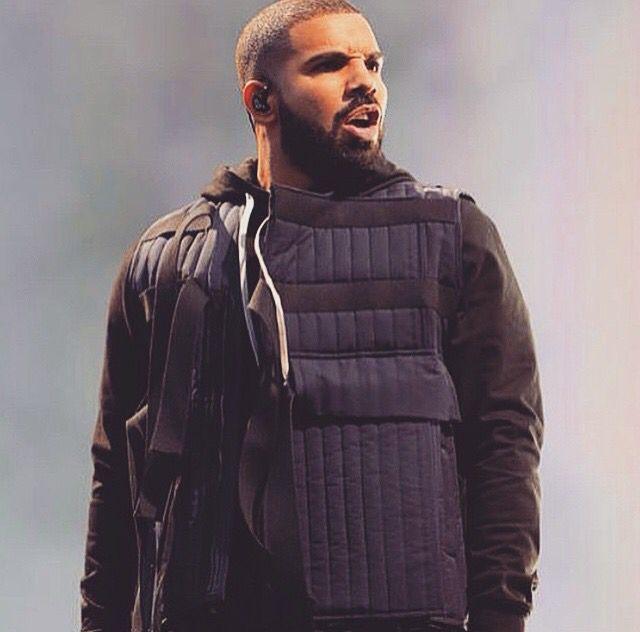 Drake rockin the bulletproof vest   D R A K E ⭐   Drake, Drake ... f2e92434321