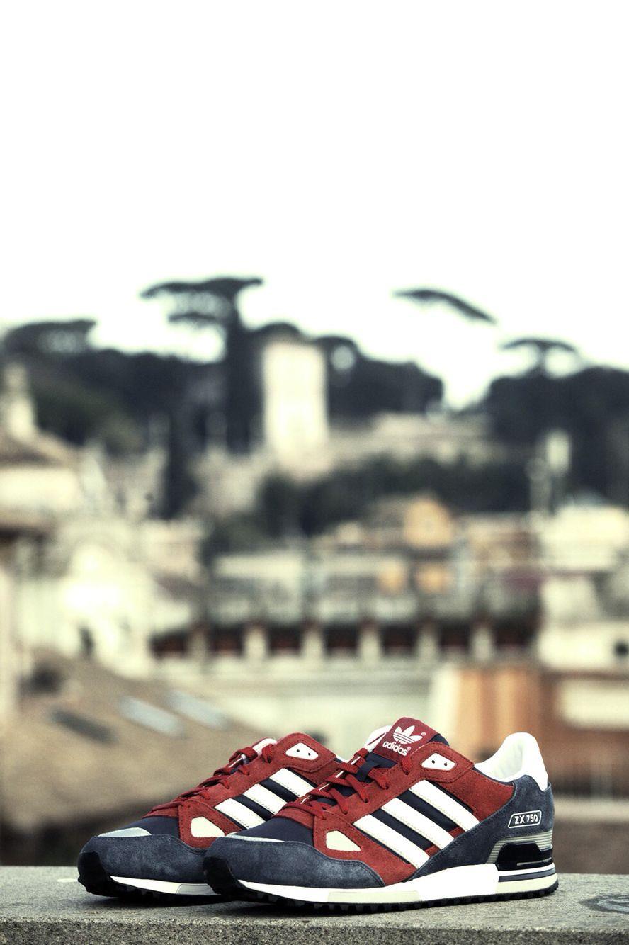 buy online a5ff9 201c5 adidas Originals ZX 750 BlueBurgundy