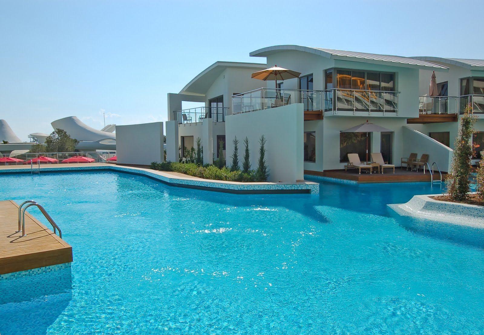 Big amazing house banco de im genes gratis casa moderna - Fotos de casas con piscina ...