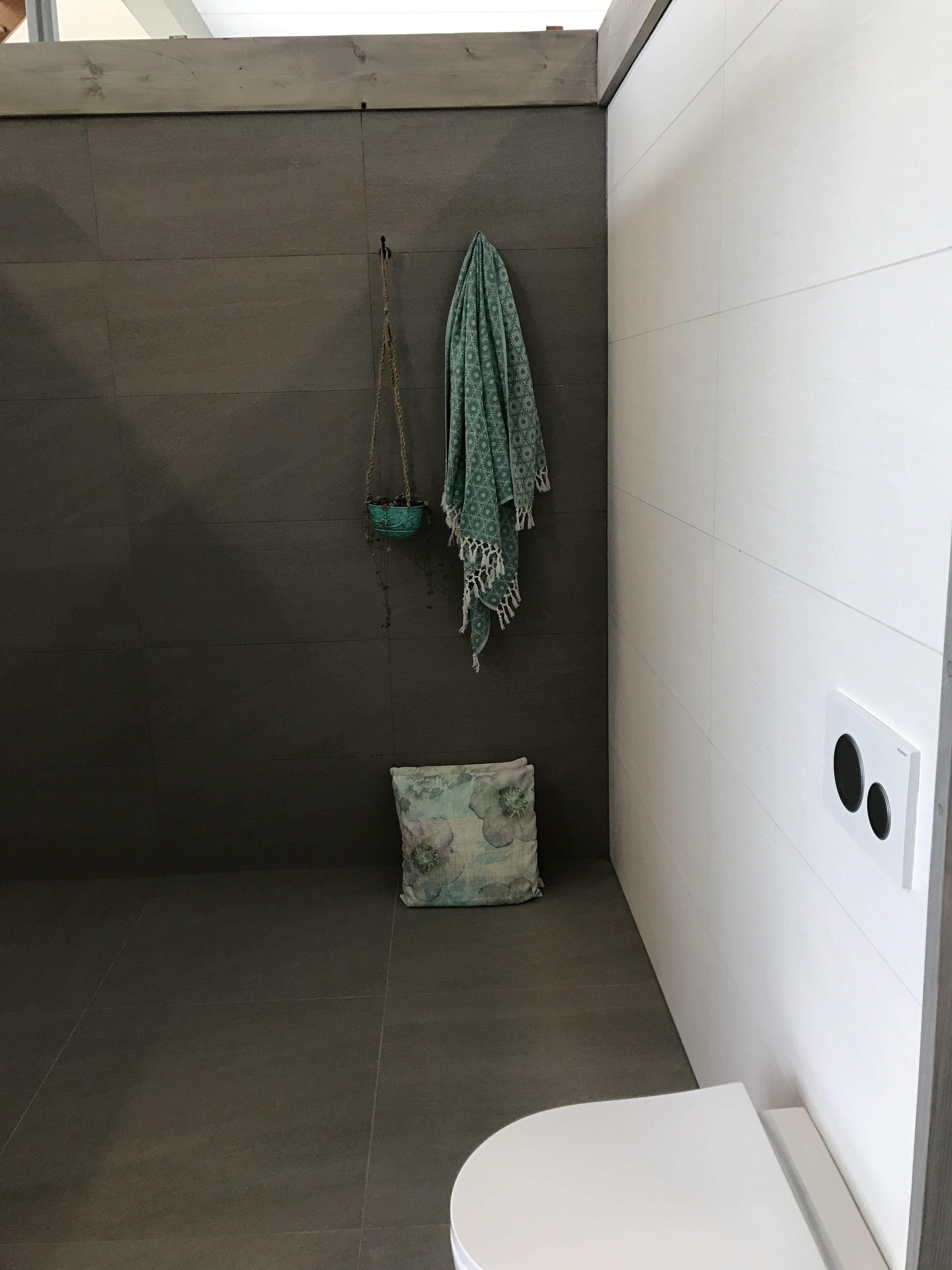 Mooie grote tegel badkamer wit