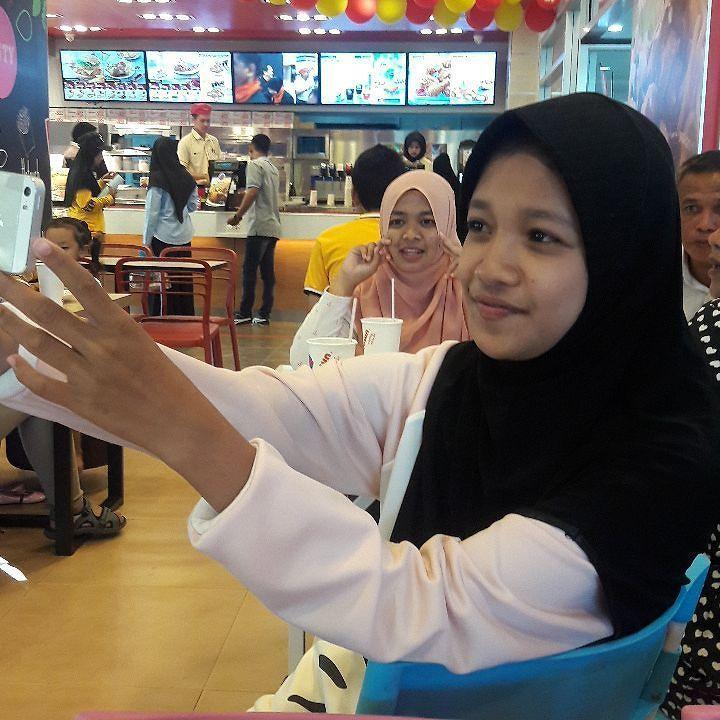 自撮り少女 #マレー人  #タイ #ヤラ のColiseumで  #selfie #muslima #malay #melayu  #Yala #thai #thailand