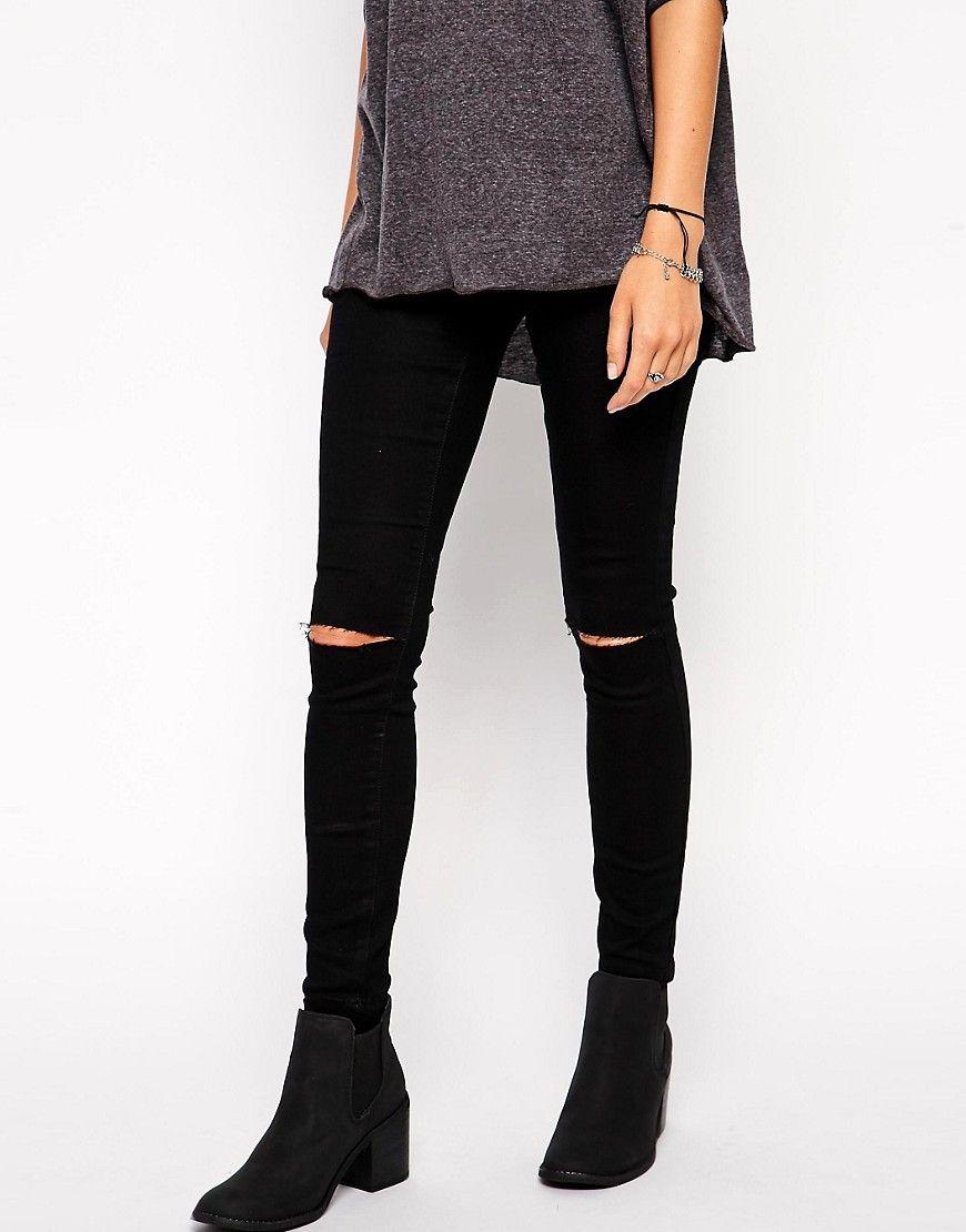 outfit pantalon negro roto