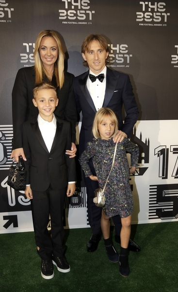 Pin de Eliška Hejdová en family Modrić  en 2020 Fifa