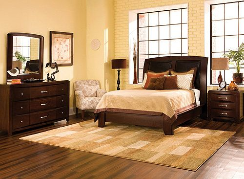This Rodea 4Pcqueen Platformlook Bedroom Set Brings The Endearing Raymour And Flanigan Bedroom Sets Design Inspiration