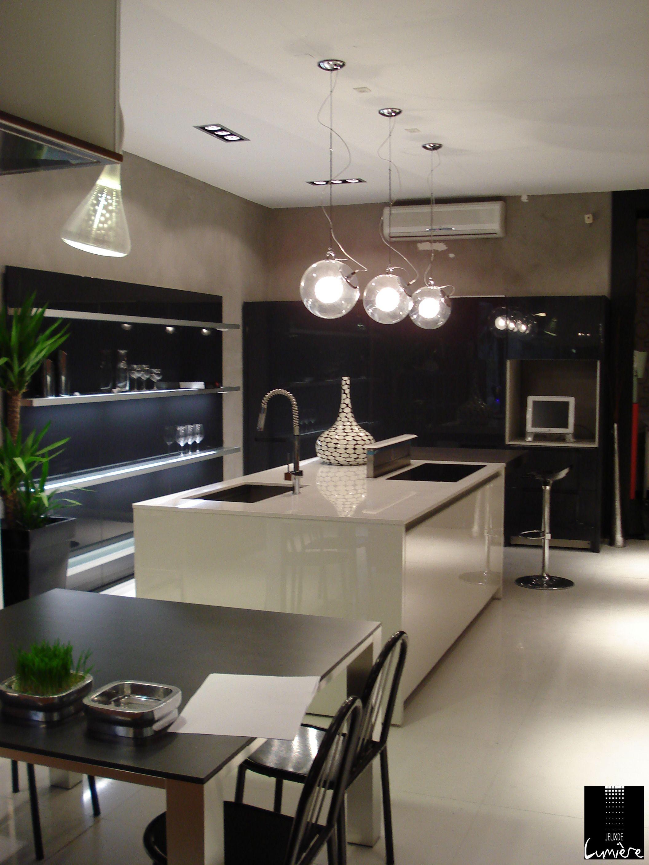 ideal suspension inox design dessus ilot cuisine cuisine design. Black Bedroom Furniture Sets. Home Design Ideas
