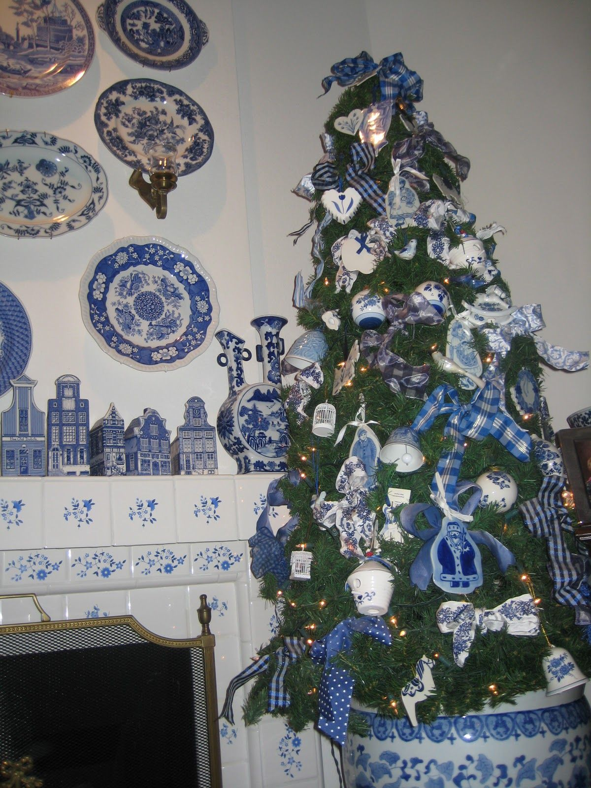 It S Beginning To Look A Lot Like Blue Delft Blue Christmas Tree White Christmas Decor Blue White Decor