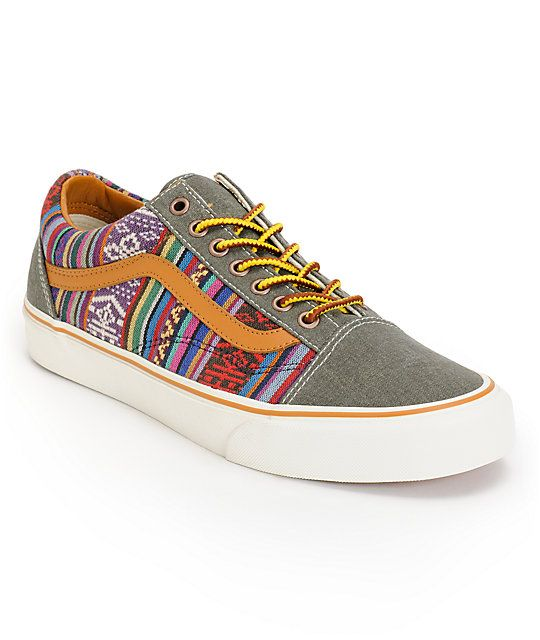 The Vans Old Skool Guate Olive Night canvas skate shoes are a true iconic classic with modern styling. Stand out in the night seamless toe with a guate tribal print canvas upper with the classic leather Vans stripe at the sides to add style to the Vans Ol