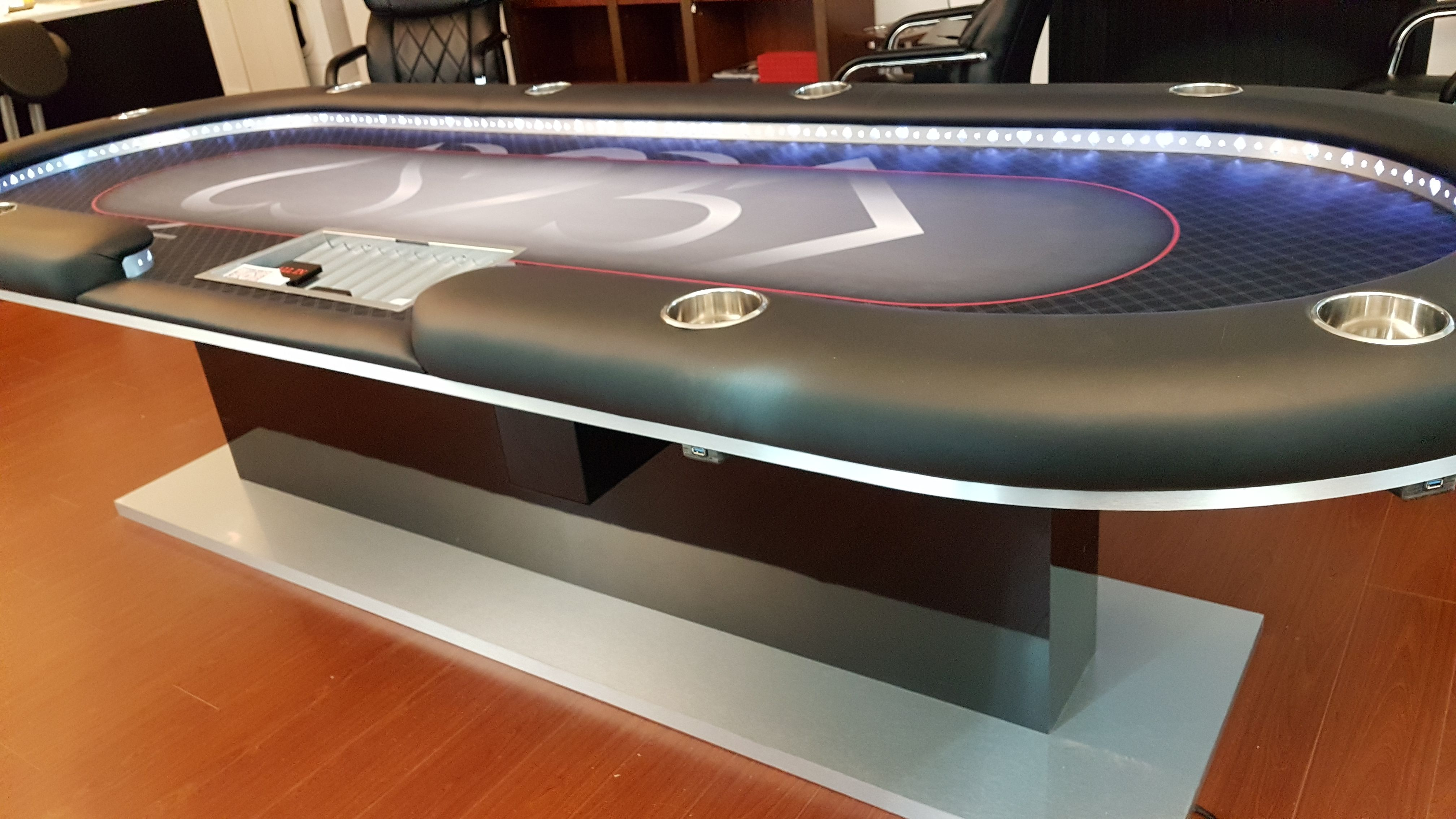 Custom Poker Table 4 X10 With Usb Ports And Genuine Leather Rail Lights Custom Poker Tables Poker Table Poker