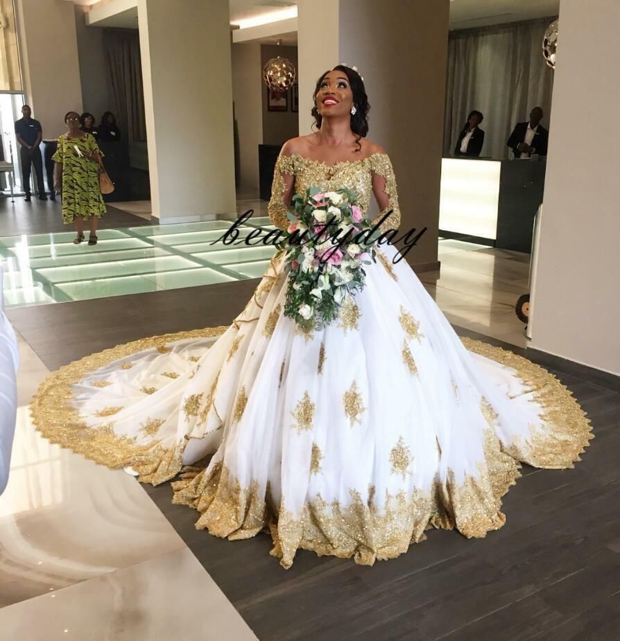 2019 Modest African Gold Lace Wedding Dress Beaded Ball Gown Luxury Bridal Gown Ball Gowns Wedding Long Sleeve Ball Gown Wedding Dress Nigerian Wedding Dress
