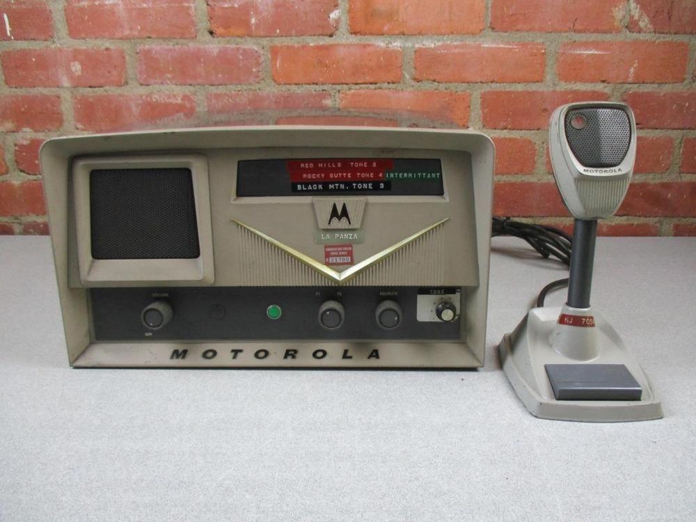 Vintage Motorola 2 Way Radio CB Base Station Model L43GGB