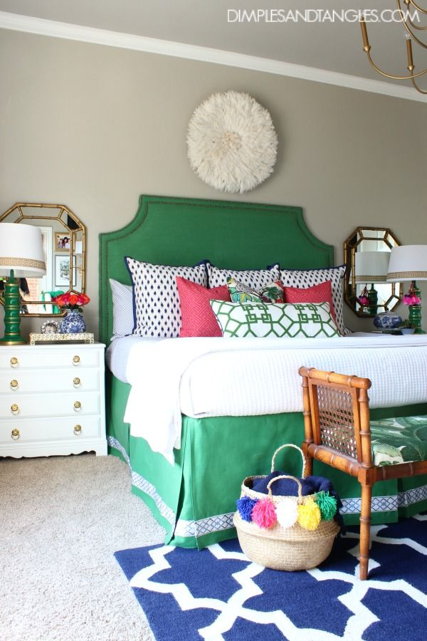 Merveilleux Kelly Green, Navy, And Pink Master Bedroom || Bold, Colorful, Preppy Bedroom  || Dimples And Tangles