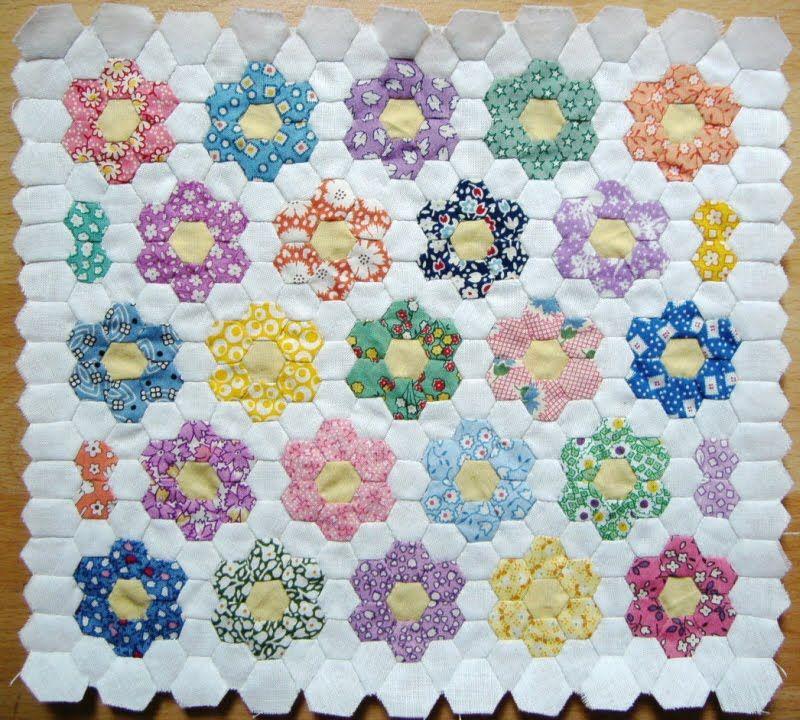 Grandmother 39 s flower garden quilt bing images hexies - Grandmother s flower garden quilt ...