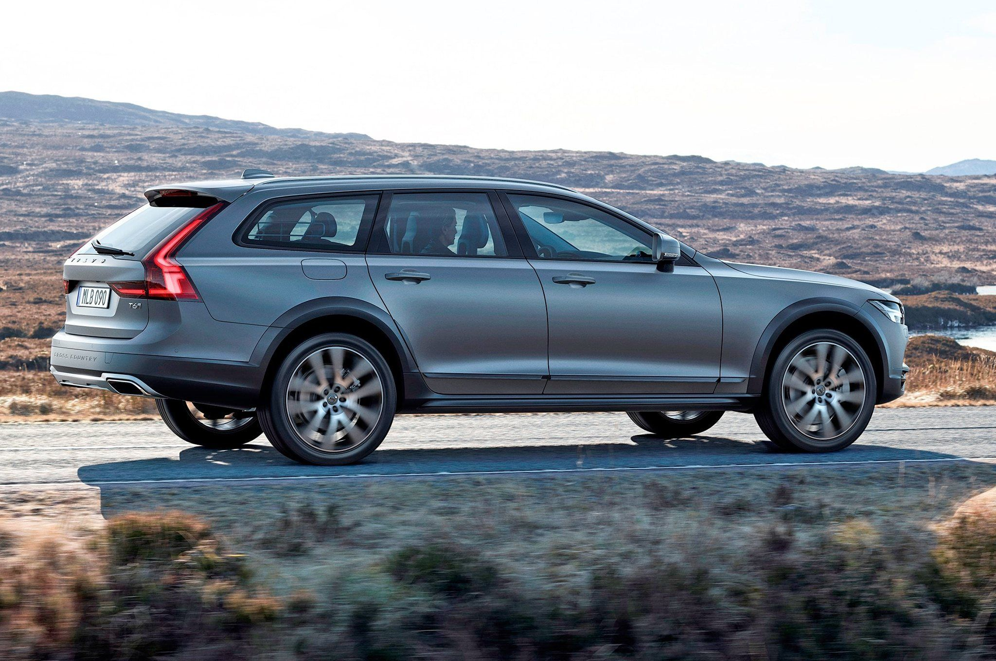 2021 Volvo Xc70 Wagon Ratings Volvo Wagon Volvo Cross Country