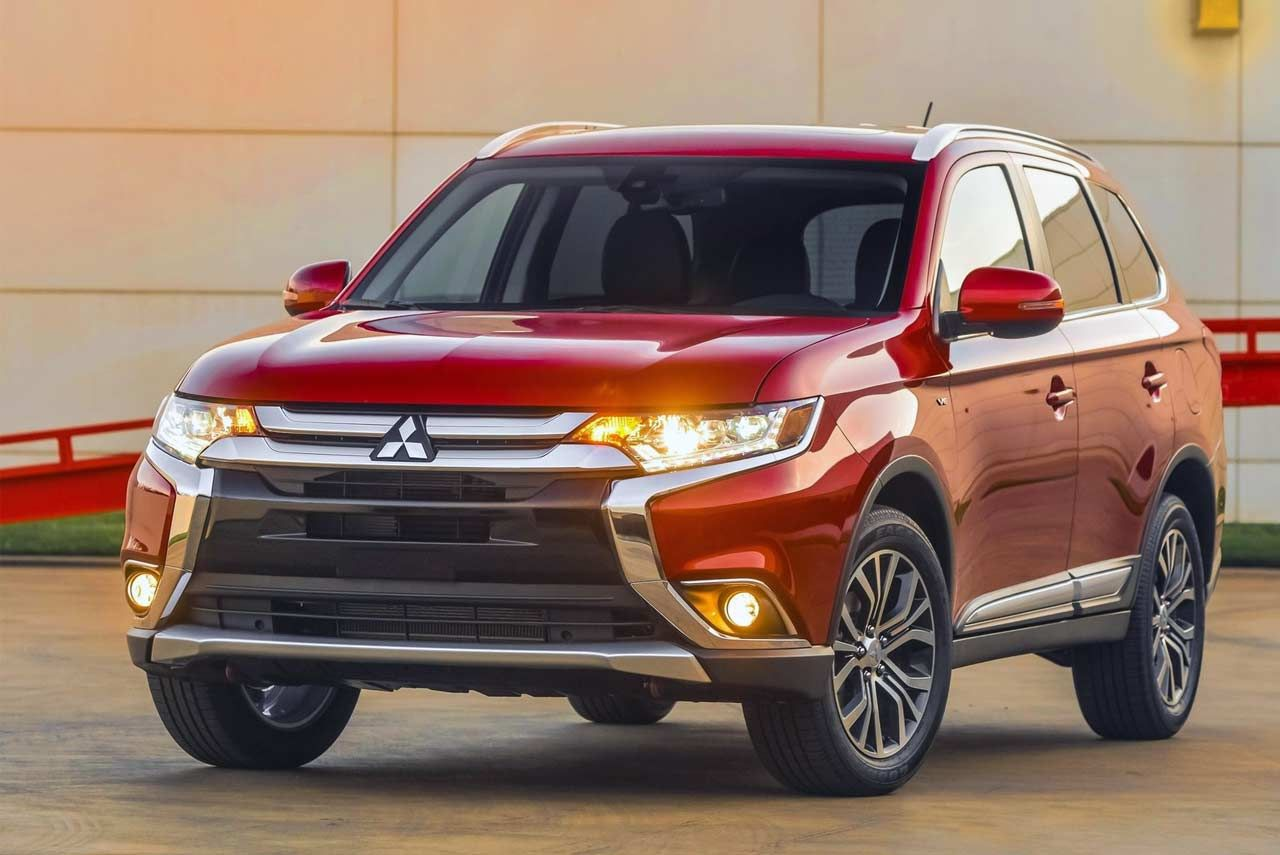 2018 Mitsubishi Outlander Launched in India; Priced at INR