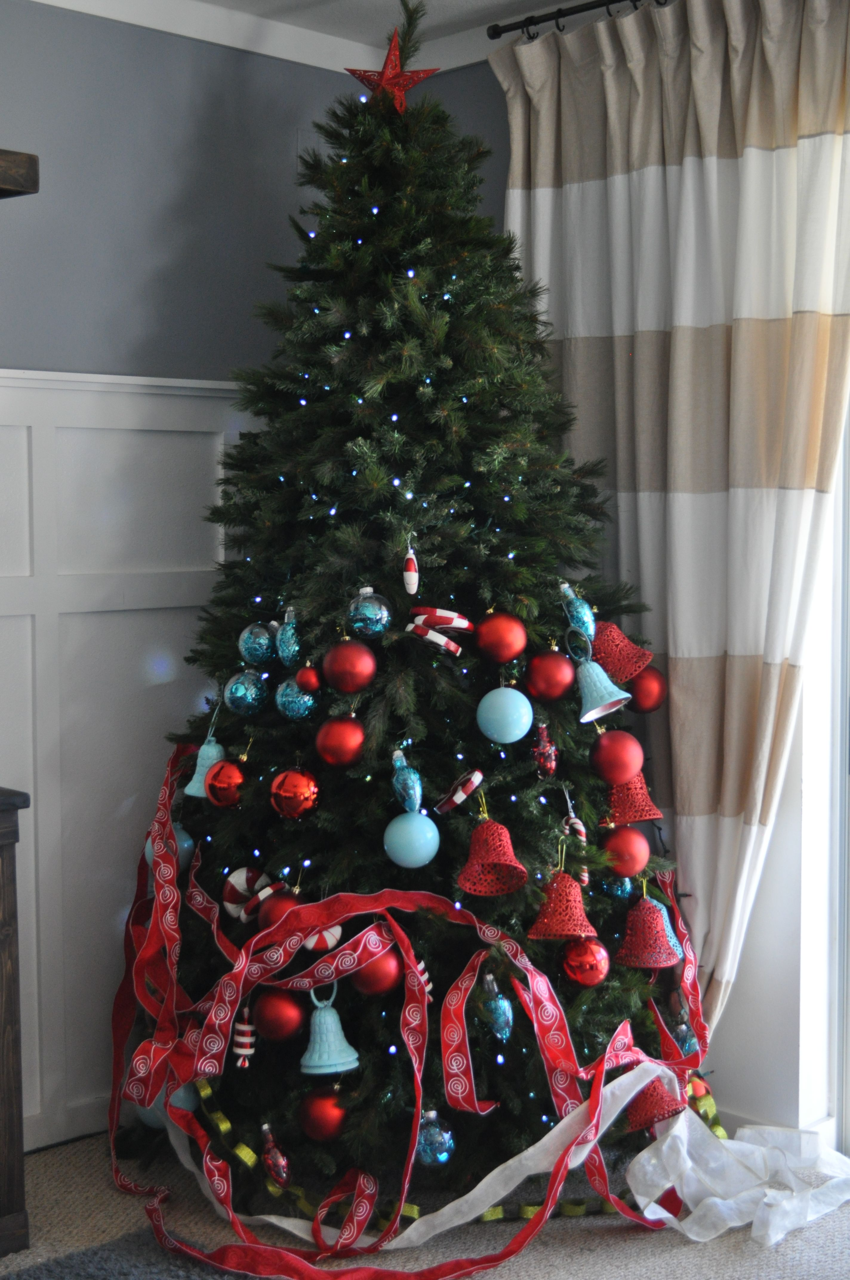 Professional Christmas Decorating Ideas.How To Decorate A Christmas Tree Like A Professional