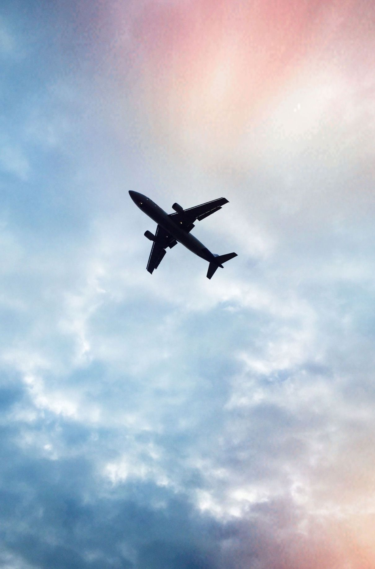 How To Travel Like A Pro Travel Wallpaper Flight Attendant Christmas Travel