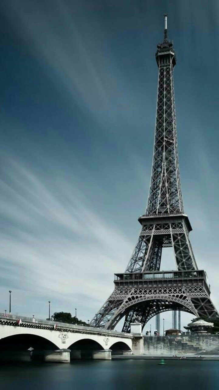 Tour Eiffel Voyage Onirique Papier Peint De Paris Photographie De Paysages Tour Eiffel De Paris