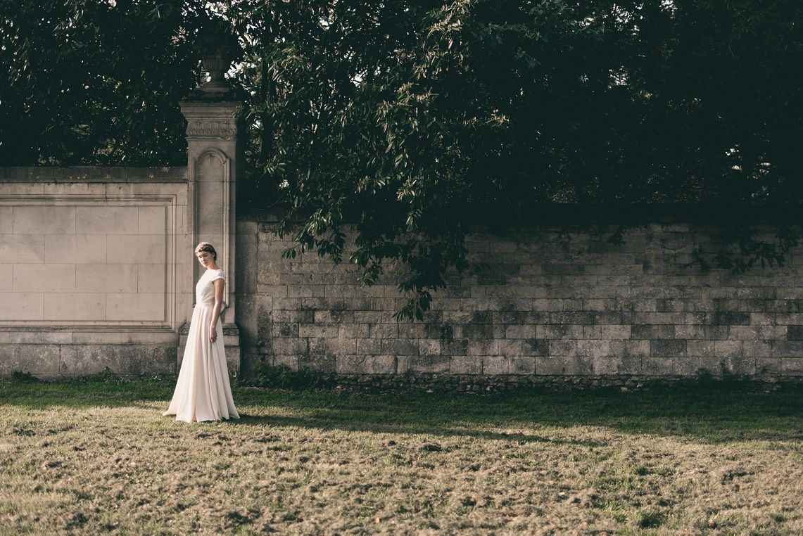 Robe de mariée personnalisable - reporter sa robe de mariée - robe de mariée petit prix - robe de mariée bohème   Photographe : Julien Navarre  Modèle : Océane Le Ny