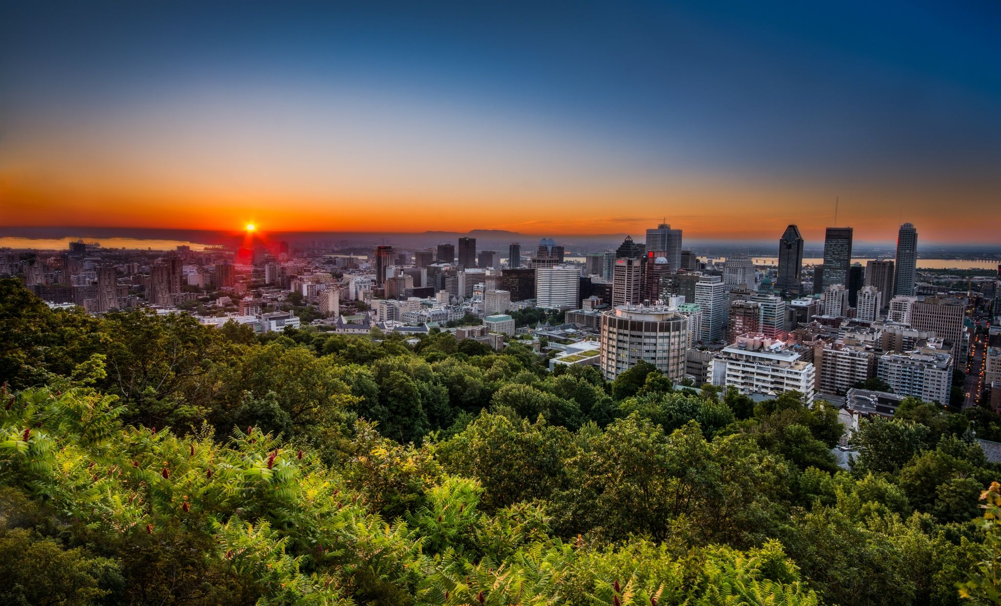 Montreal Sunrise by Michael Vesia on 500px