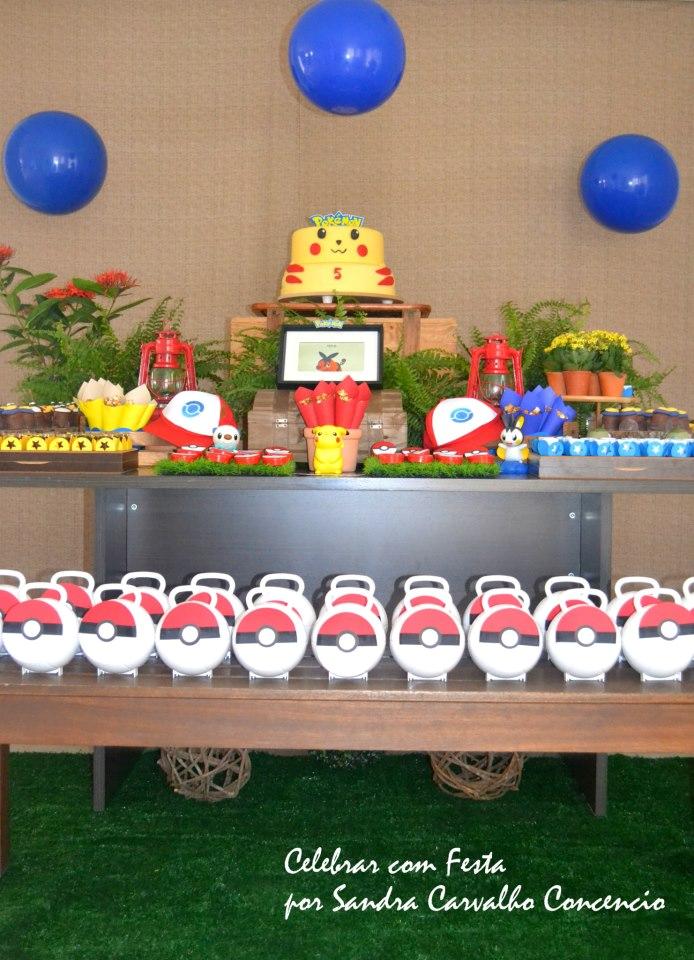 Uma tema que ainda não tenho no blog.Hoje tem Festa Pokémon, muitas fofuras nesta decoração.Imagens do facebook Celebrar com Festa Eventos Personalizados.Lindas ideias e muita inspiração.Óti...