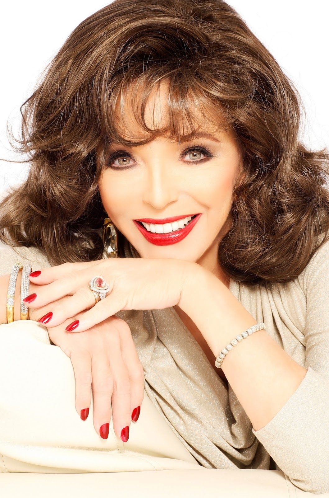 West End Frame: Joan Collins returns to Leicester Square Theatre w...