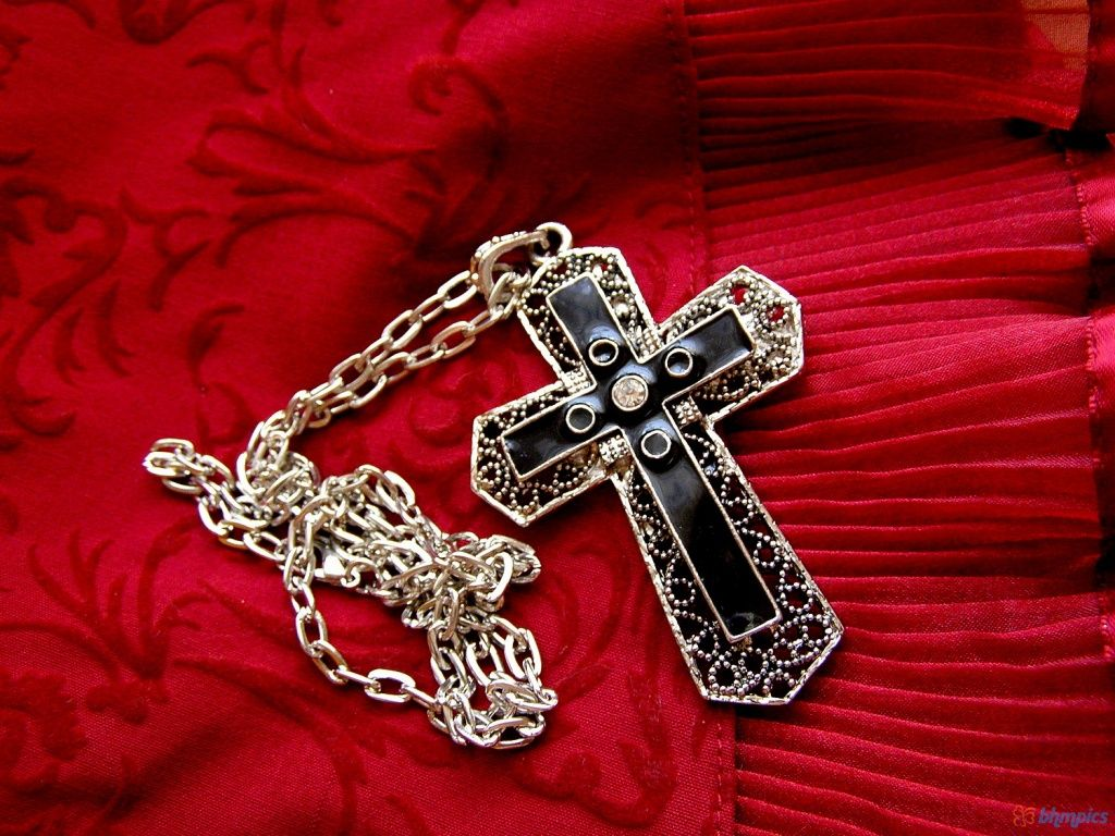 Gothic Cross | 1024 x 768 | Download | Close