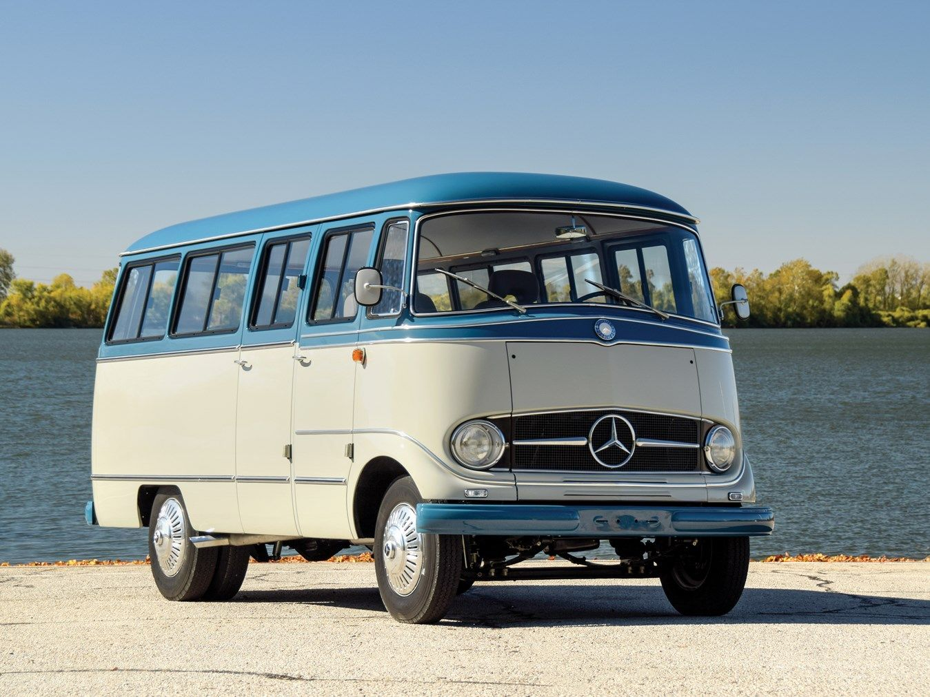 1959 Mercedes Benz O 319 With Images Mercedes Camper Sprinter