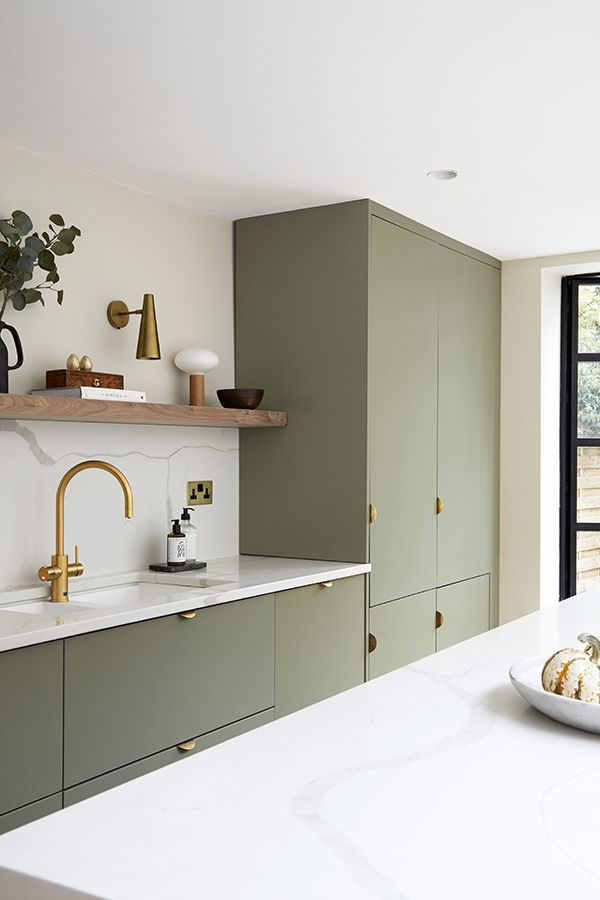 Kitchen with Super Front Handles
