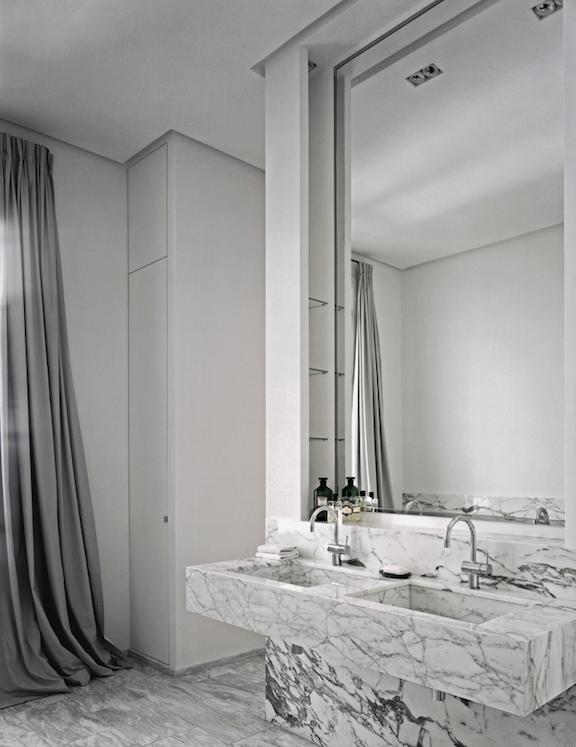Merveilleux Grey U0026 White Marble Bathroom, Design By Pierre Yovanovitch