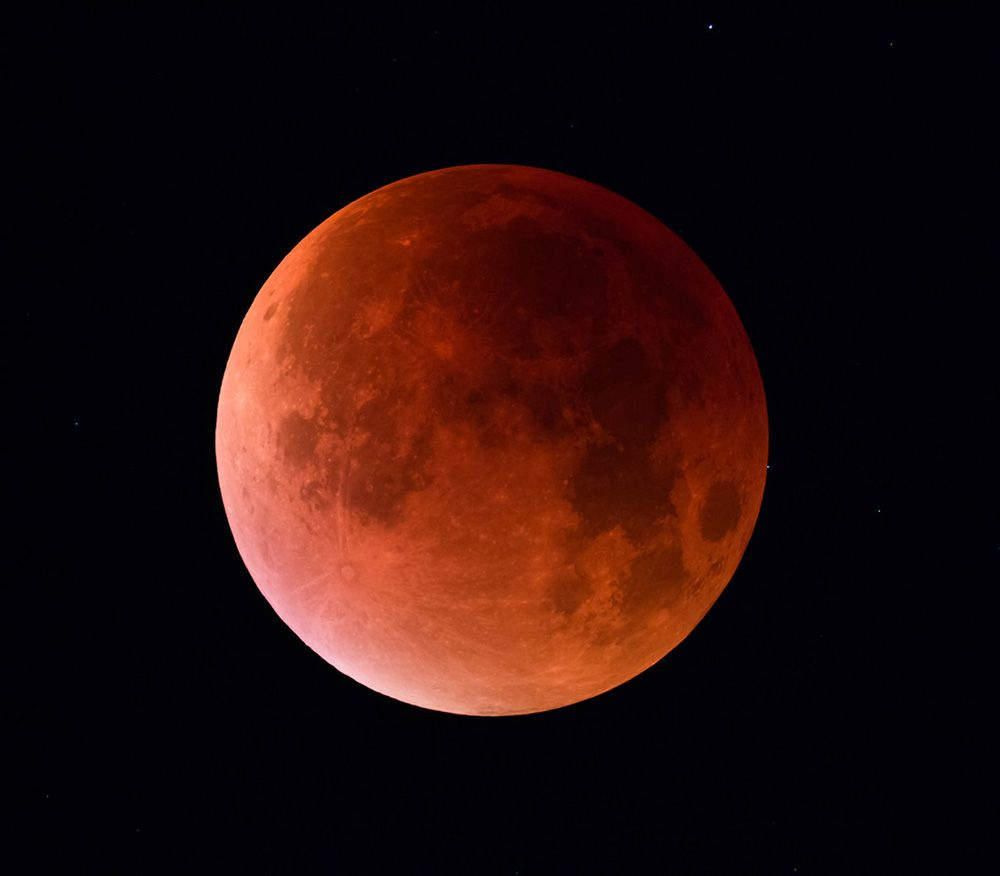 Star HIP1121 Reappears behind the moon during the lunar eclipse - Sky & Telescope