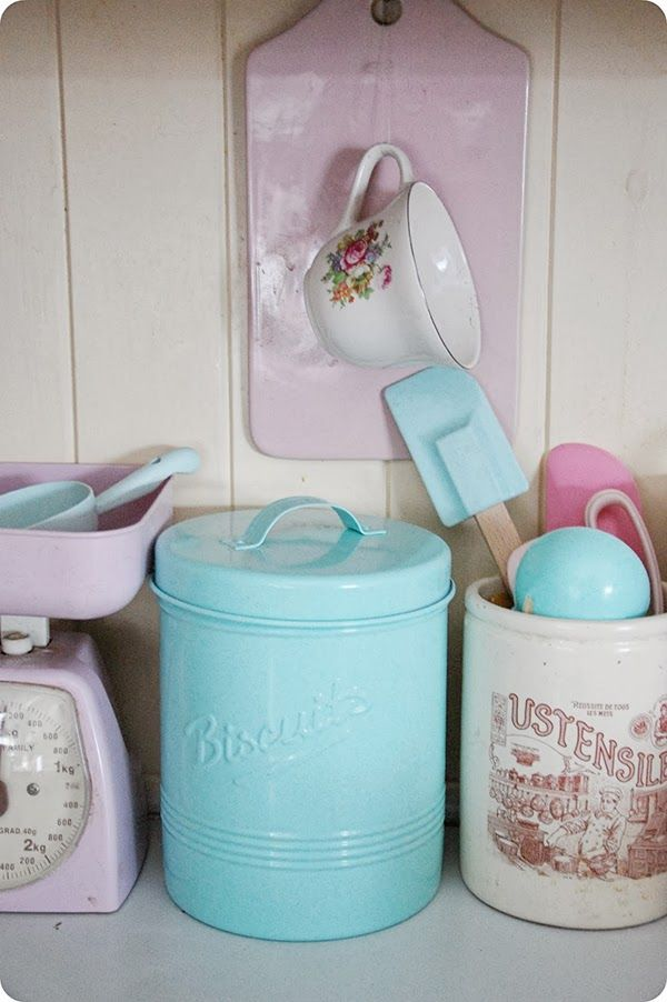 Perfect Pastel Kitchen Accessories