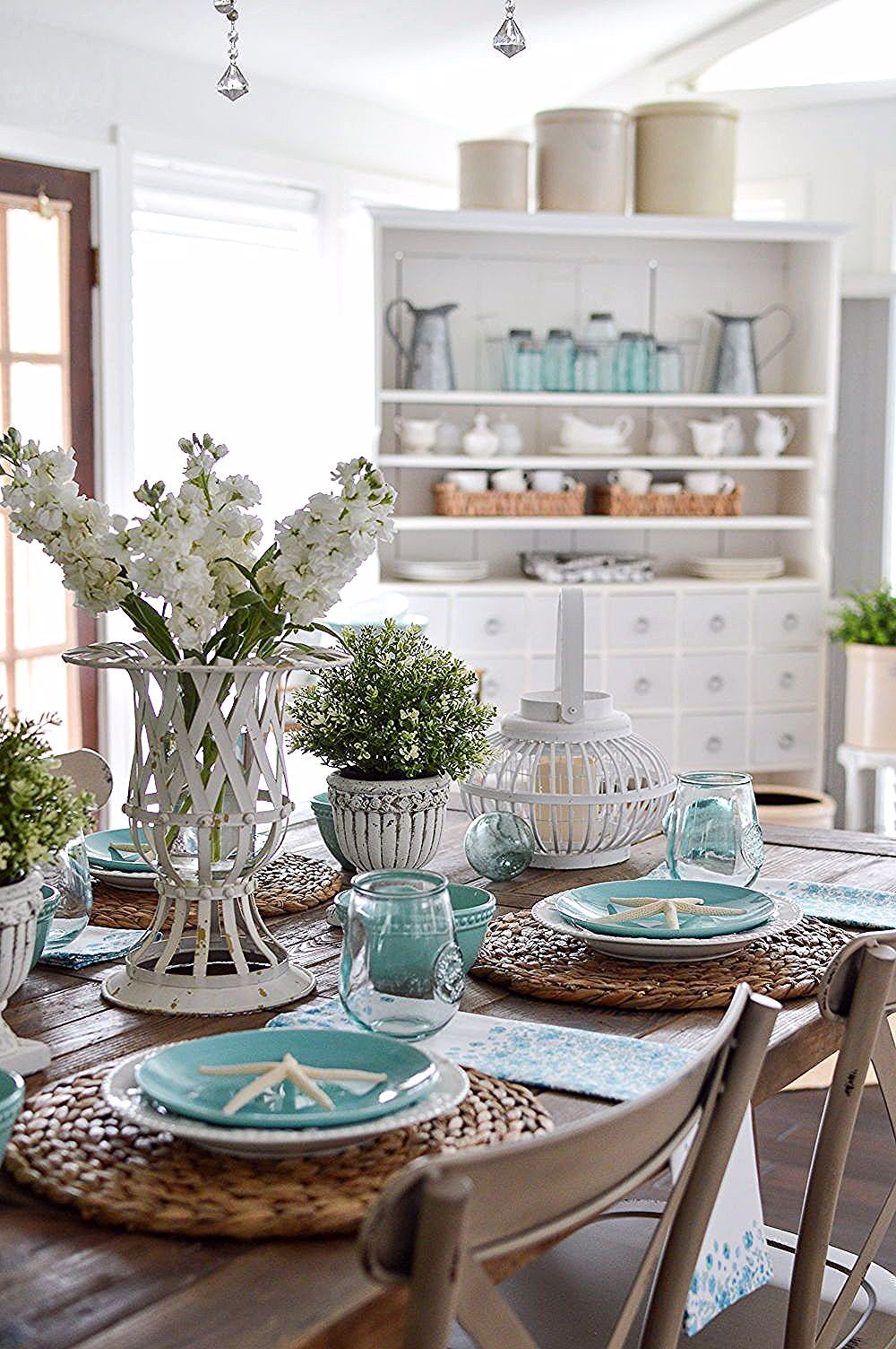 Dining Room Table Centerpiece Ideas In 2020 Dining Room Table