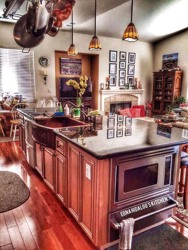 Gourmet chef's kitchen. Love the island in the middle with