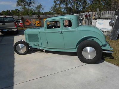 Ford : Other 2 door 1932 Ford 5 Window Coupe - http://www.legendaryfinds.com/ford-other-2-door-1932-ford-5-window-coupe/