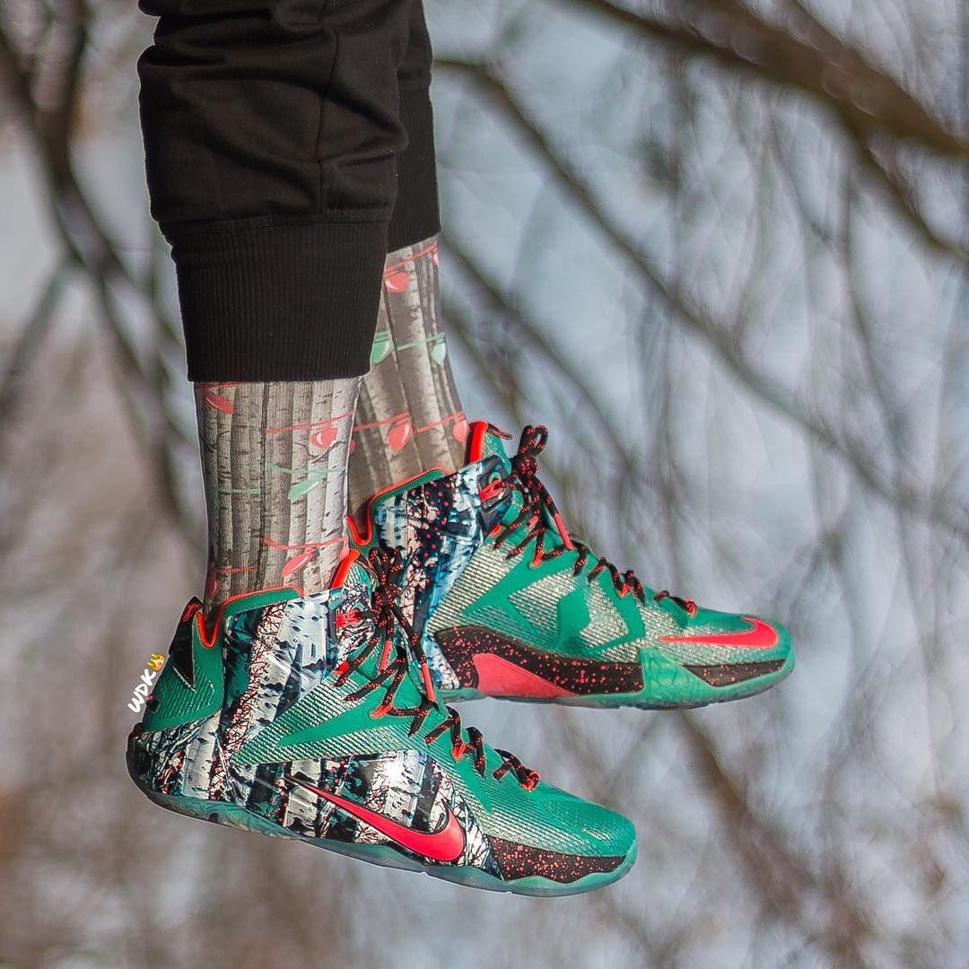 b17e3bdbc708 Nike LeBron 12 Xmas