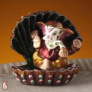 This Ganesh Murthi will be a great gift on any special occasion........