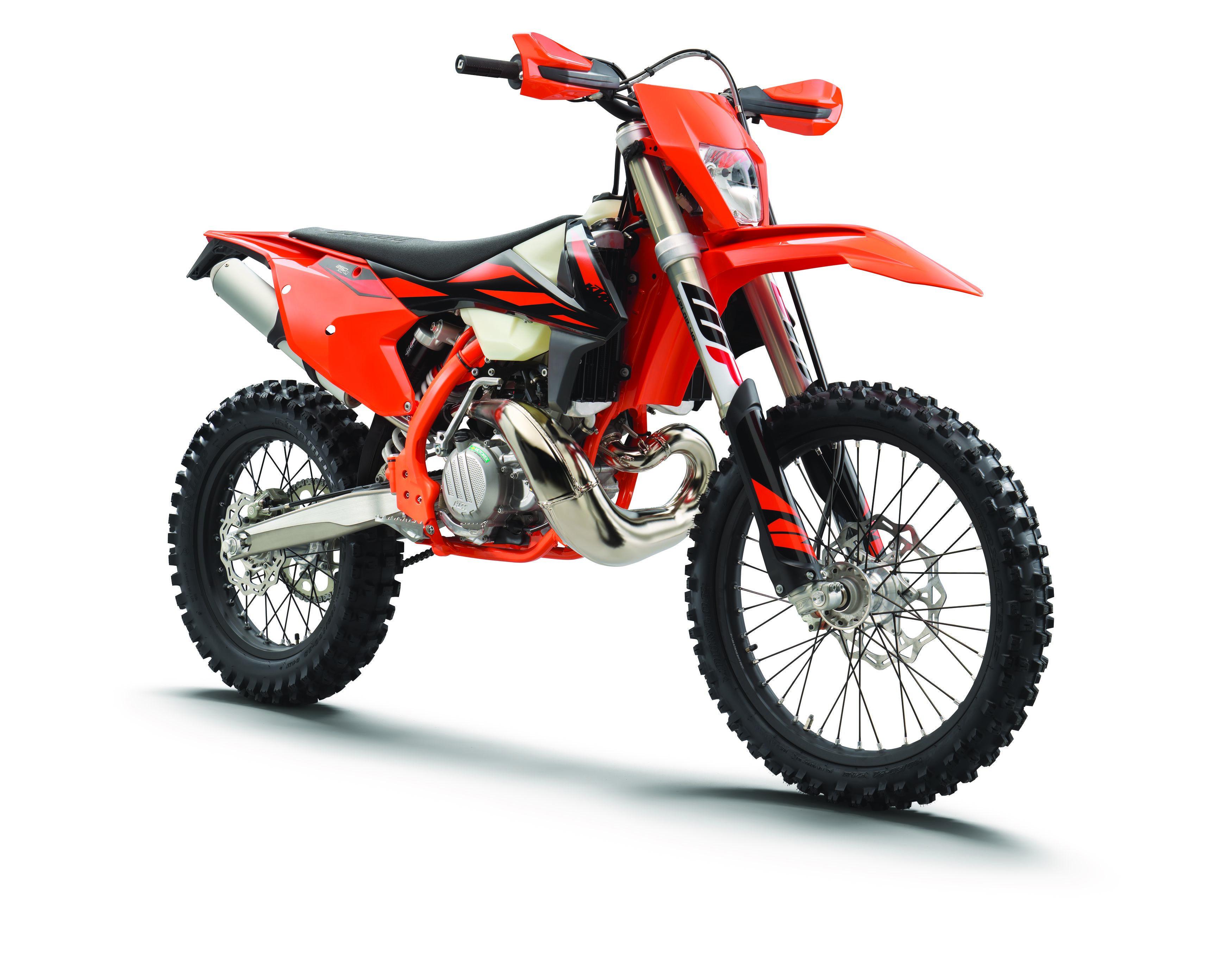 Ktm Xc W And Exc F Model Year 2019 Has Arrived Including The 300 Xc W Tpi 2 Stroke Motocross Bikes Ktm Ktm Dirt Bikes