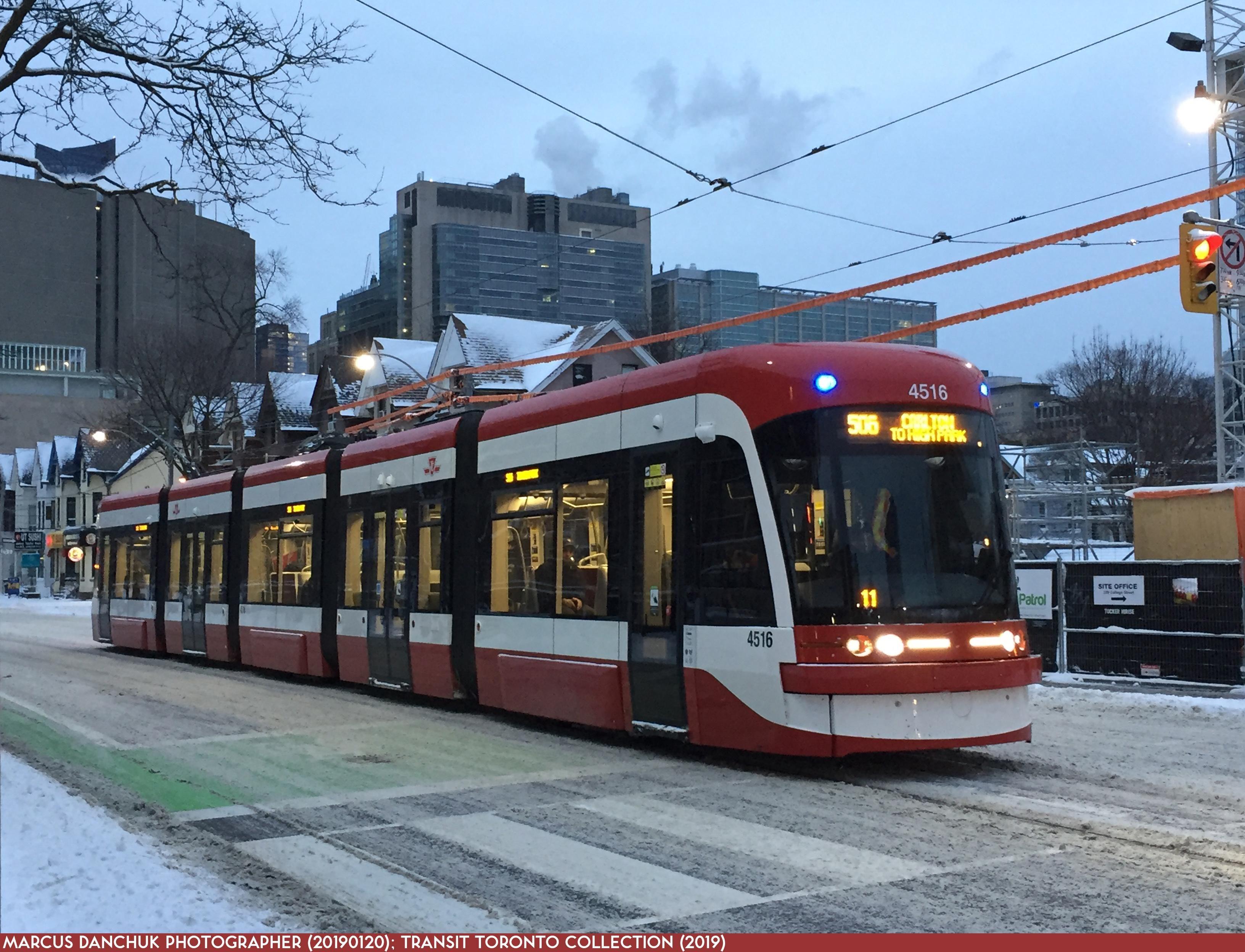 Ttc Toronto Bombardier Lrv Toronto Ontario Canada American Cities Toronto Ontario Toronto tram vehicle city night lights