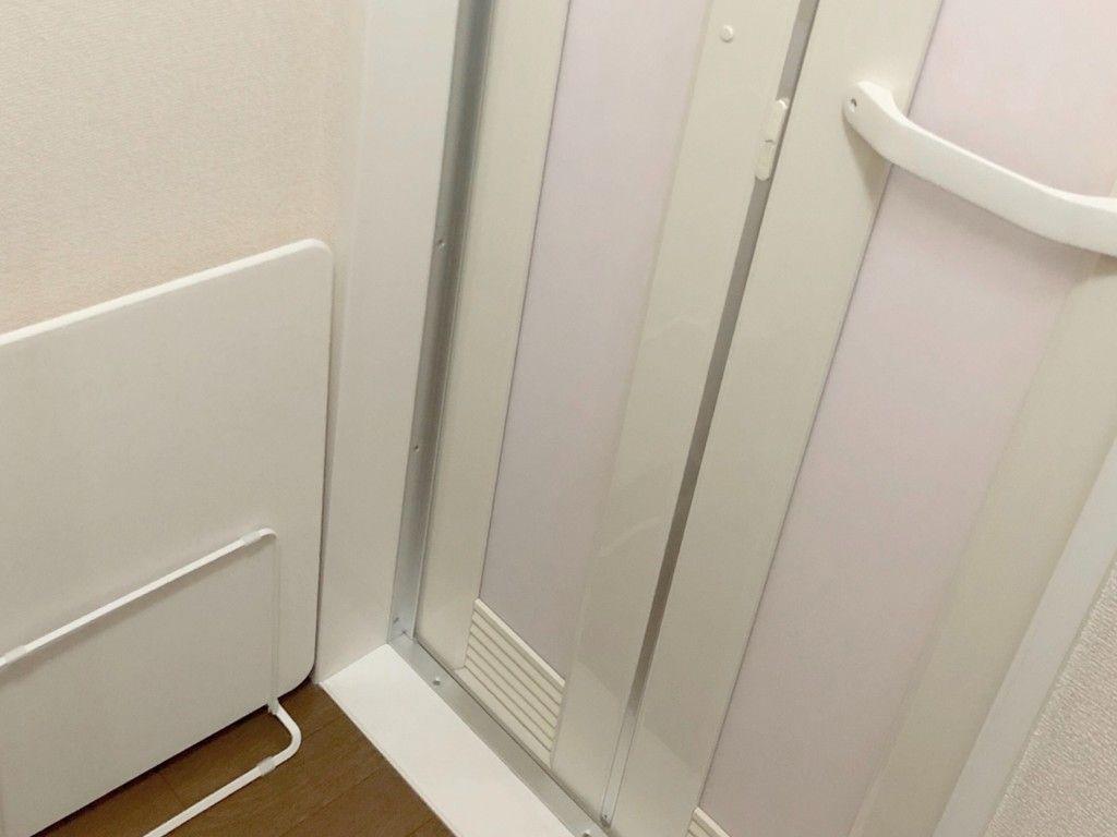 大掃除 お風呂のドアを丸洗い 頑固汚れを綺麗にしよう 大掃除