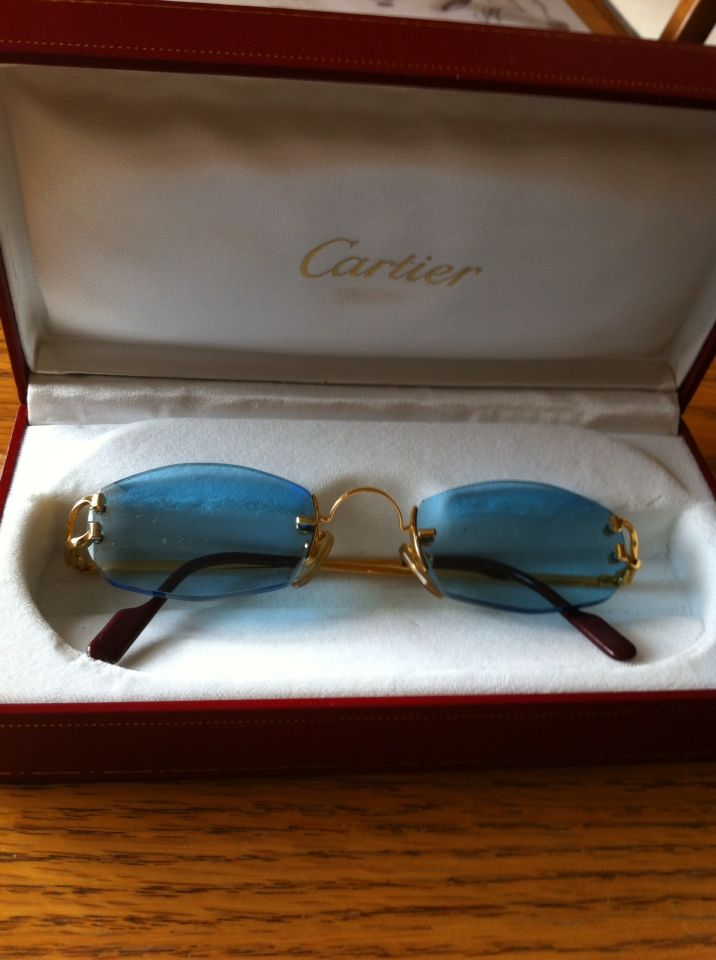 000a5082b7be5 Authentic Cartier sunglasses Certificate of Appraisal with them. Blue  rimless lens with gold plated.  850