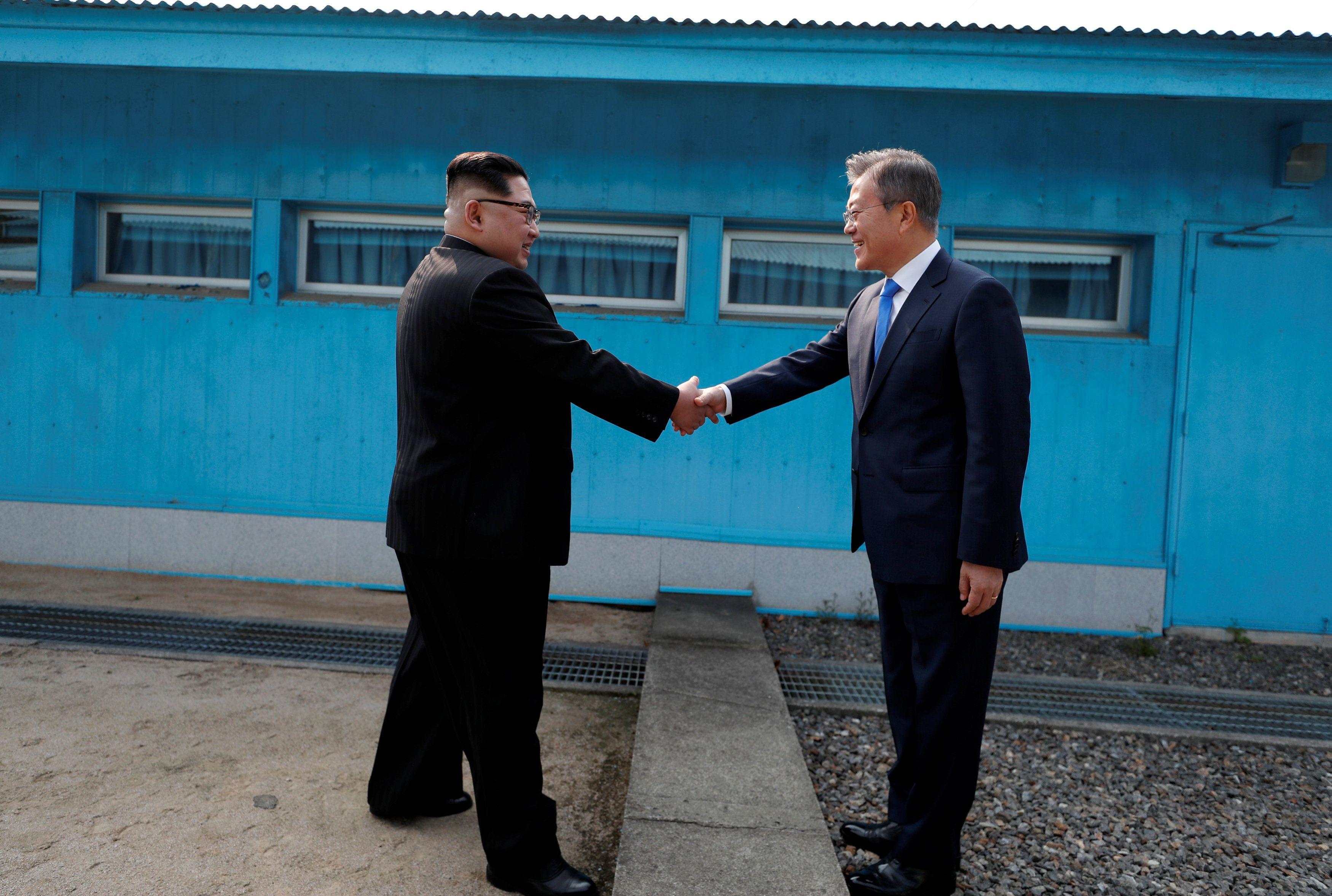 Pin em Coreia do Norte