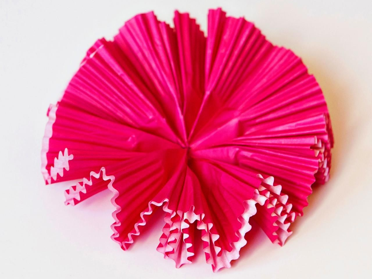 How To Make Paper Flowers Using Cupcake Liners Paper Crafts